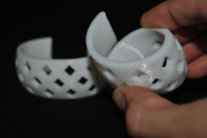 3D prints with normal (rigid) PLA on the left and FlexPLA on the right © parametric | art