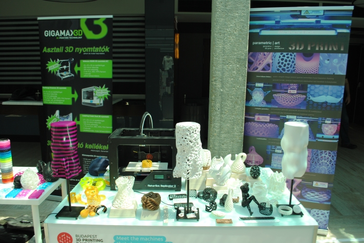 parametric | art X GigamaX3D booth at Budapest 3D Printing Days